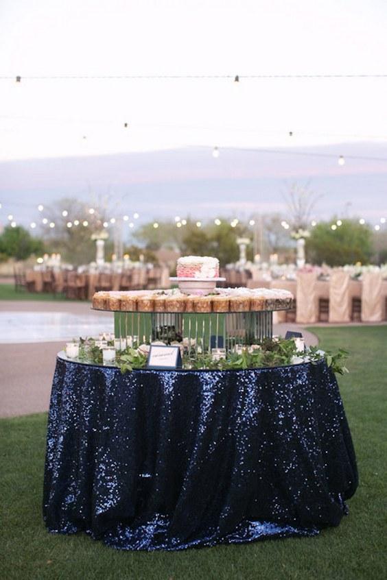 décorations mariage en bleu marine 11