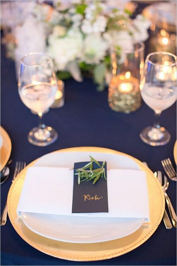 décorations mariage en bleu marine 25