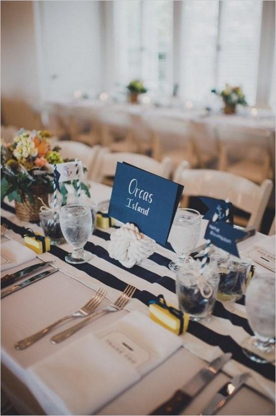 décorations mariage en bleu marine 27