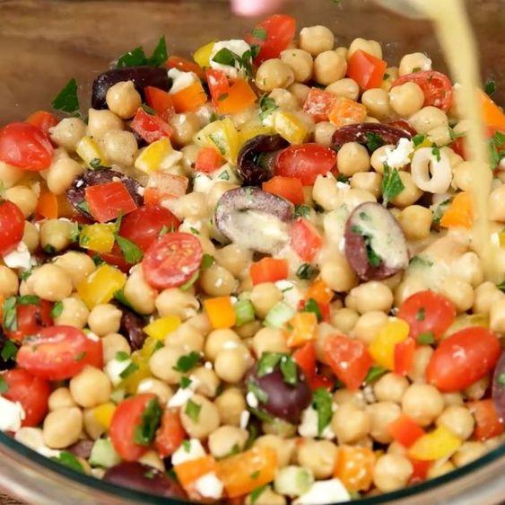 Salade de pois chiche à la méditerranéenne