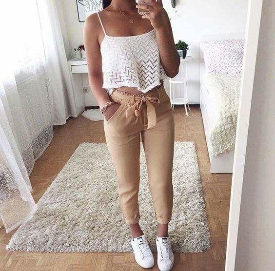 Pantalons taille plissée avec ceinture