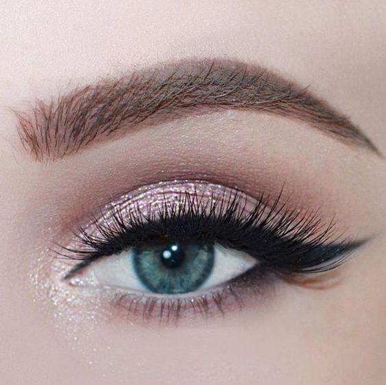 Tutoriales maquillaje de ojos - Página 21 Maquillages-pour-sublimer-les-yeux-bleus12
