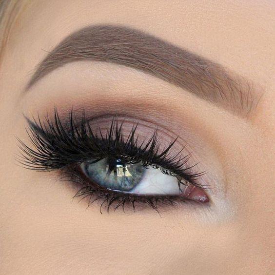 Tutoriales maquillaje de ojos - Página 21 Maquillages-pour-sublimer-les-yeux-bleus13
