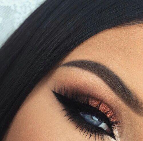 Tutoriales maquillaje de ojos - Página 22 Maquillages-pour-sublimer-les-yeux-bleus14