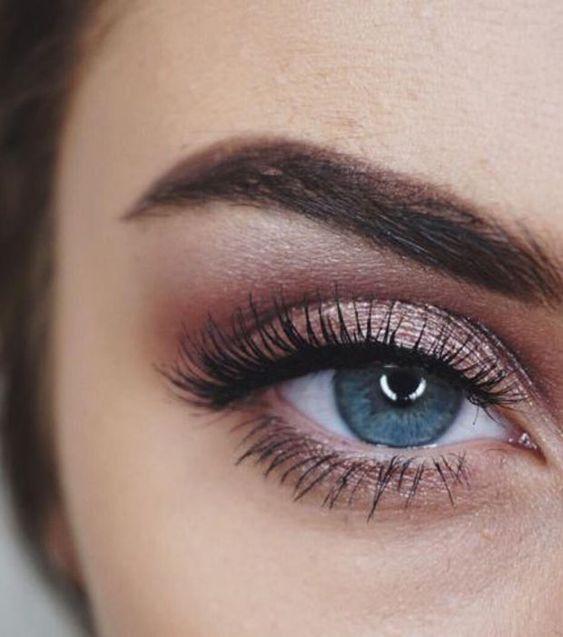 Tutoriales maquillaje de ojos - Página 22 Maquillages-pour-sublimer-les-yeux-bleus18-1