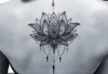 Tatouage fleur de lys: quelle est sa signification?