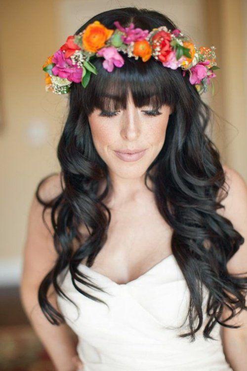 Couronnes des fleurs chics pour mariée