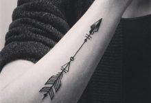 la signification du tatouage de flèche