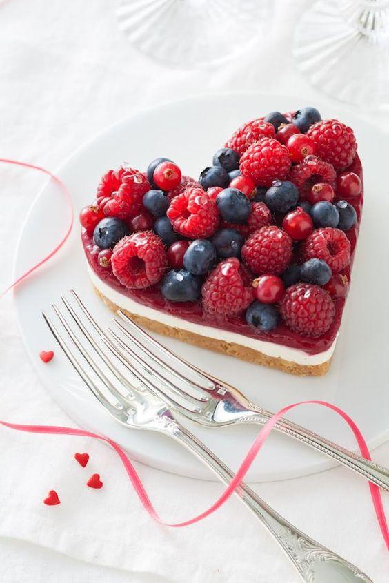 Cheesecake chocolat blanc, mousse de vanille et fruits rouges
