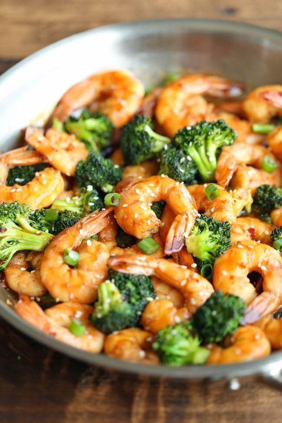 Sauté de crevettes et de brocoli