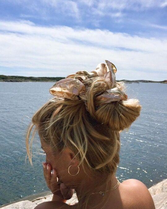 coiffures avec un foulard