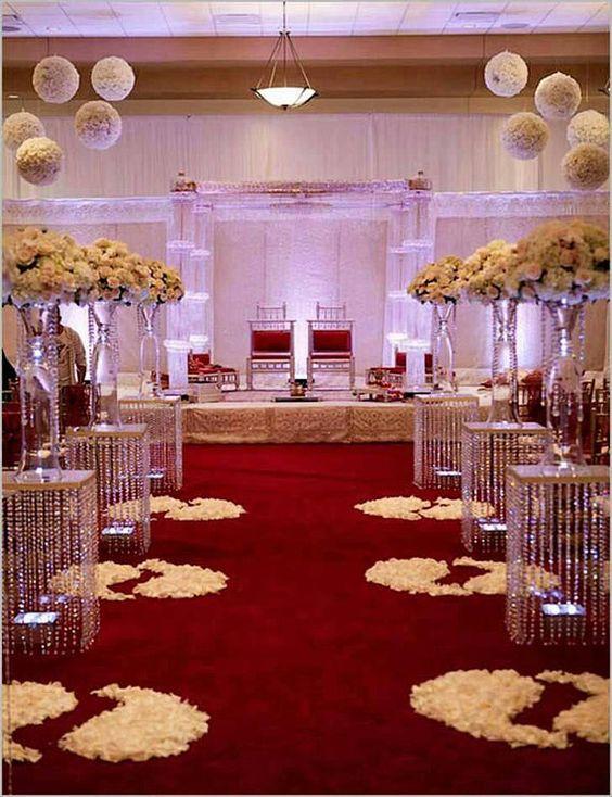 décorations rouge pour votre cérémonie de mariage