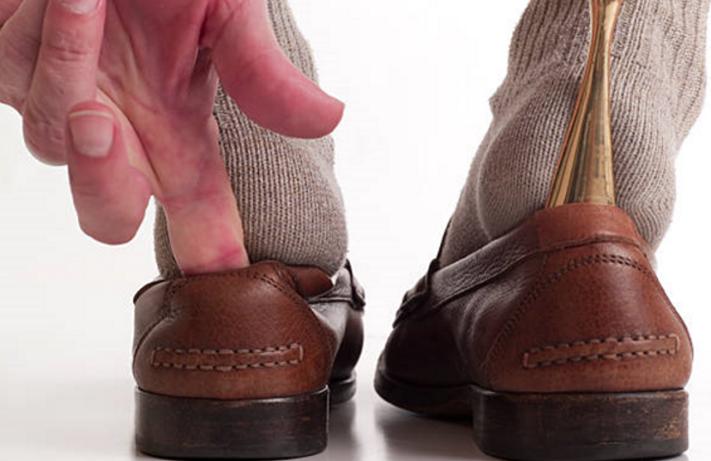 Comment élargir des chaussures en cuir