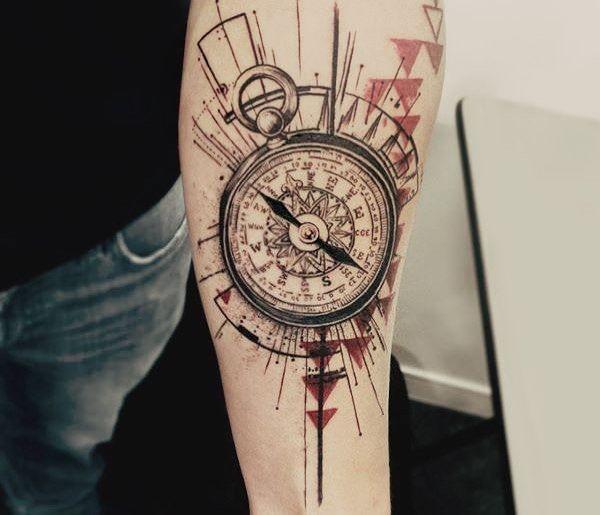Quelle est la signification du tatouage boussole