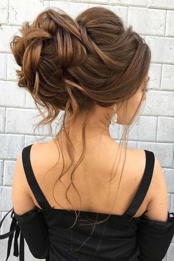 22 idées de coiffures de soirée à adopter !