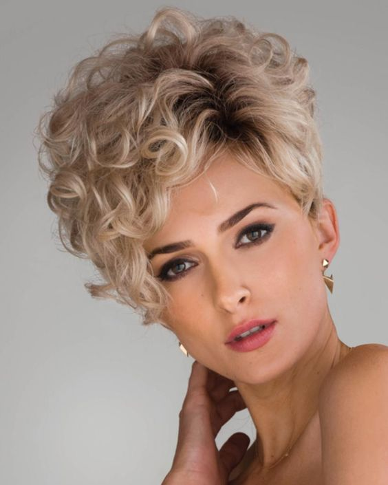 20 Idées de coiffures pour cheveux courts