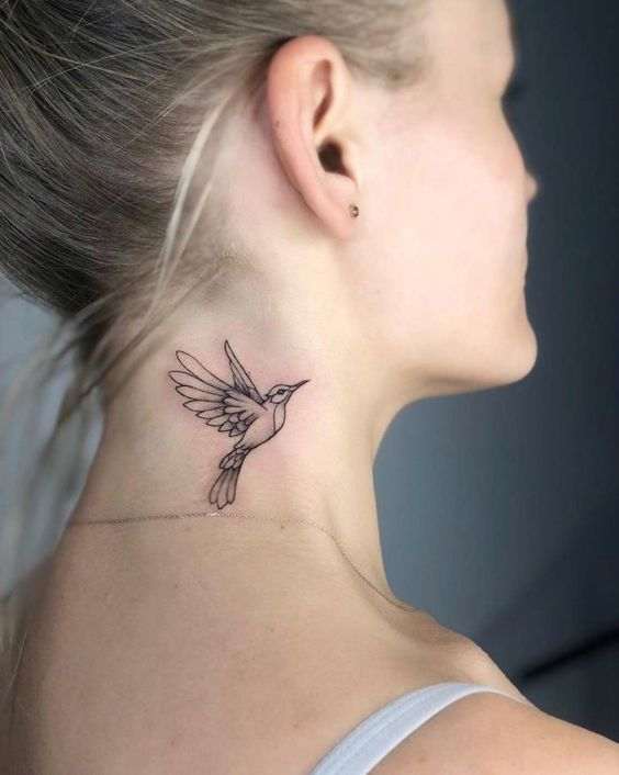 26 Tatouages sur le cou pour les femmes !