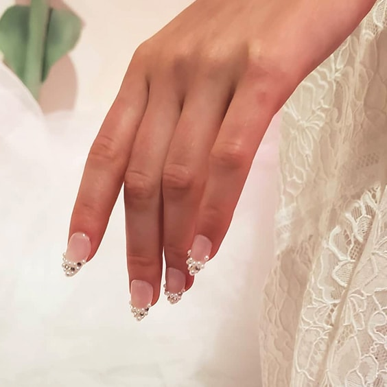 12 tendances hivernales populaires pour les ongles que vous devez essayer dès que possible