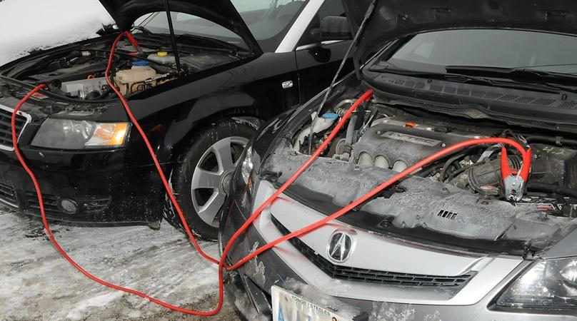 Comment démarrer une voiture avec une panne batterie