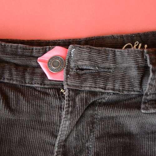 Elargir un jean trop serré à la taille