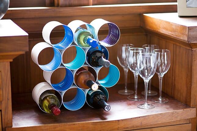 Fabriquez un casier à vin avec des grandes boîtes de conserve