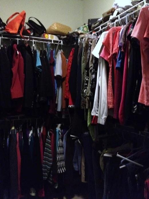 Jour 1 : Rangez les vêtements