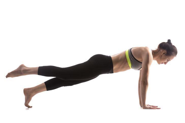 La planche avec lever de jambes