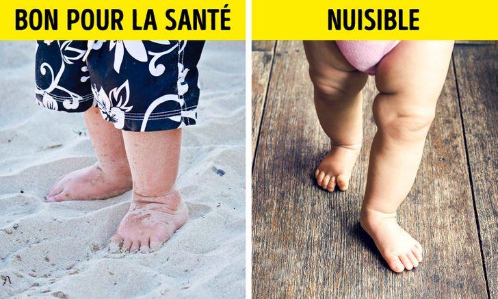 Laisser ton bébé marcher pieds nus sur des surfaces planes