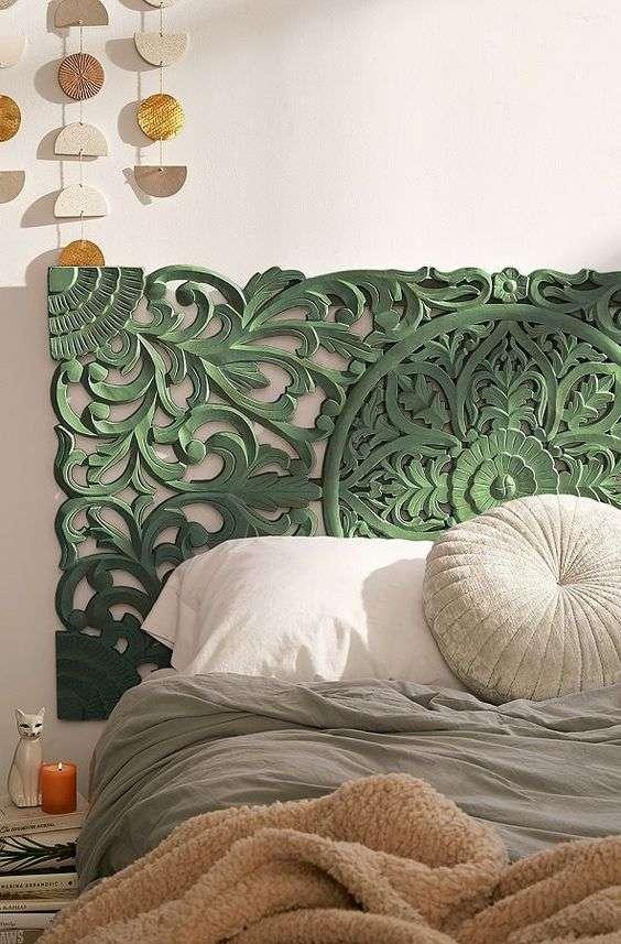 Magnifique tête de lit en bois sculpté