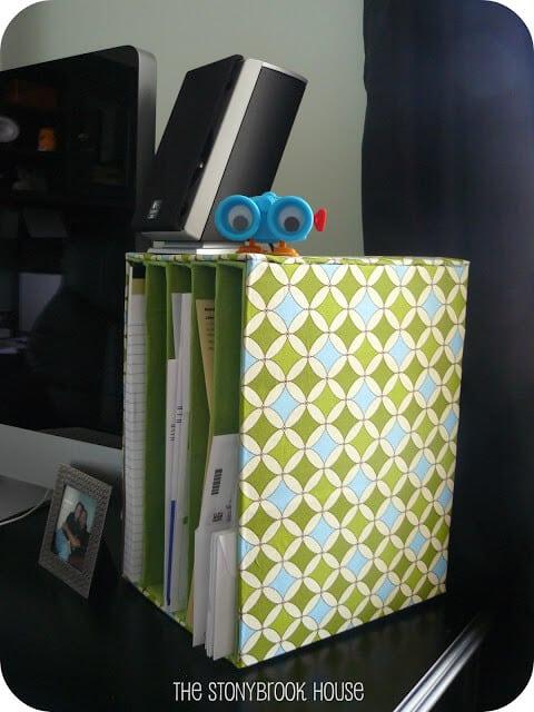 Organisez votre courrier avec des boîtes en carton