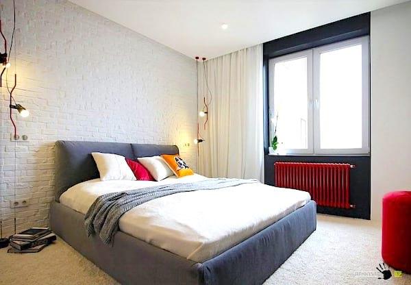 Peignez votre radiateur avec une couleur vive pour donner du cachet à une pièce