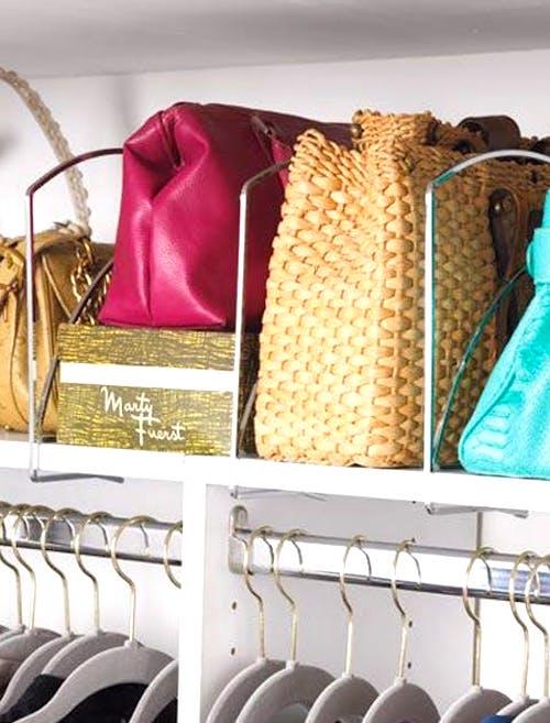 Rangez les petits sacs à main dans des sacs plus grands