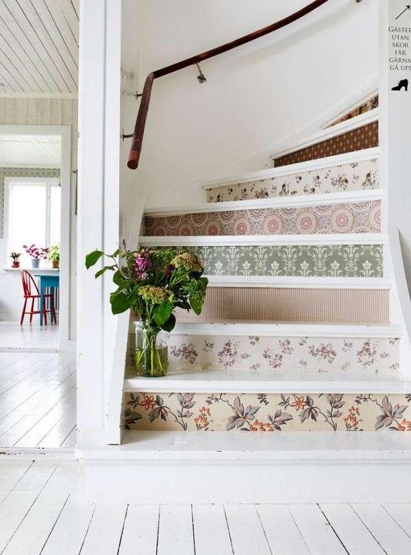 Recycler ses chutes de papier peint pour créer des escaliers originaux
