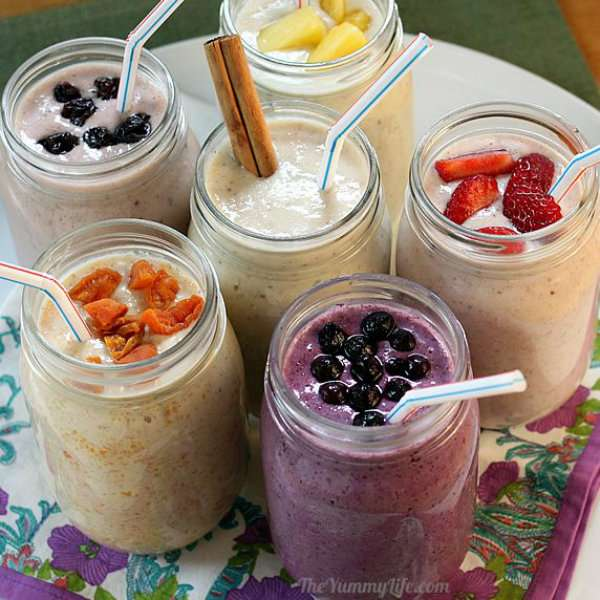 Smoothies de fruits aux flocons d'avoine et yaourt