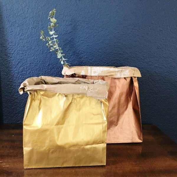 Utilisez les sacs en papier kraft renforcé comme cache-pots pas comme les autres