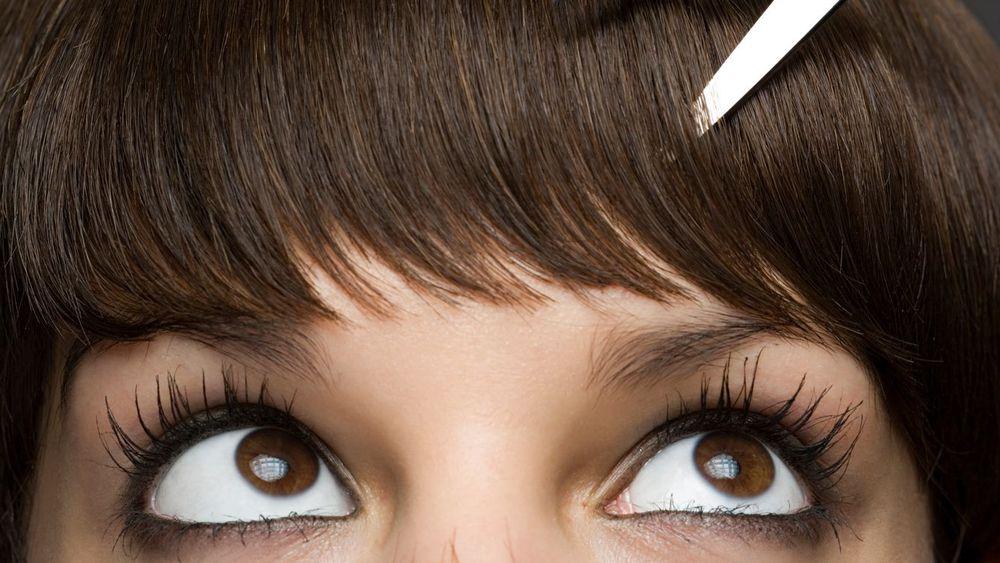 couper-sa-frange-femme-coiffeur
