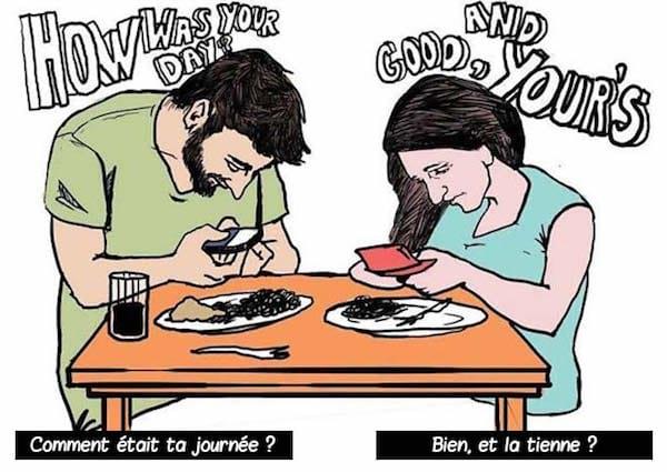 restaurant-repas-smartphone