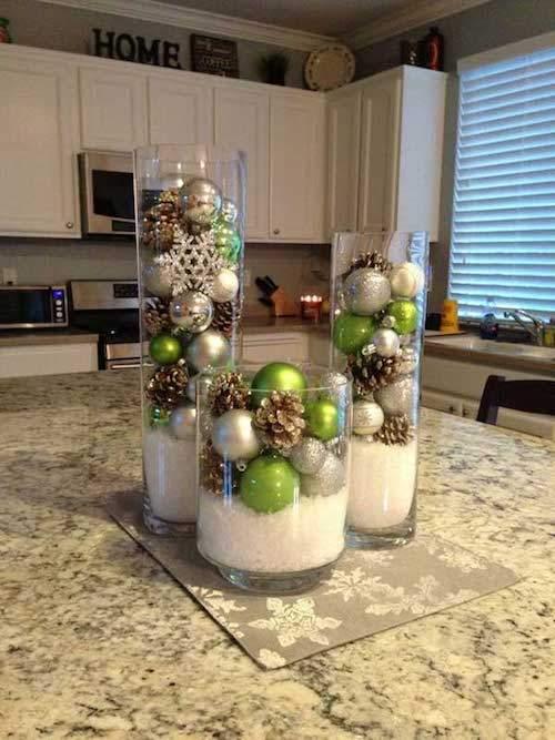 vase-avec-boules-noel-neige-cuisine