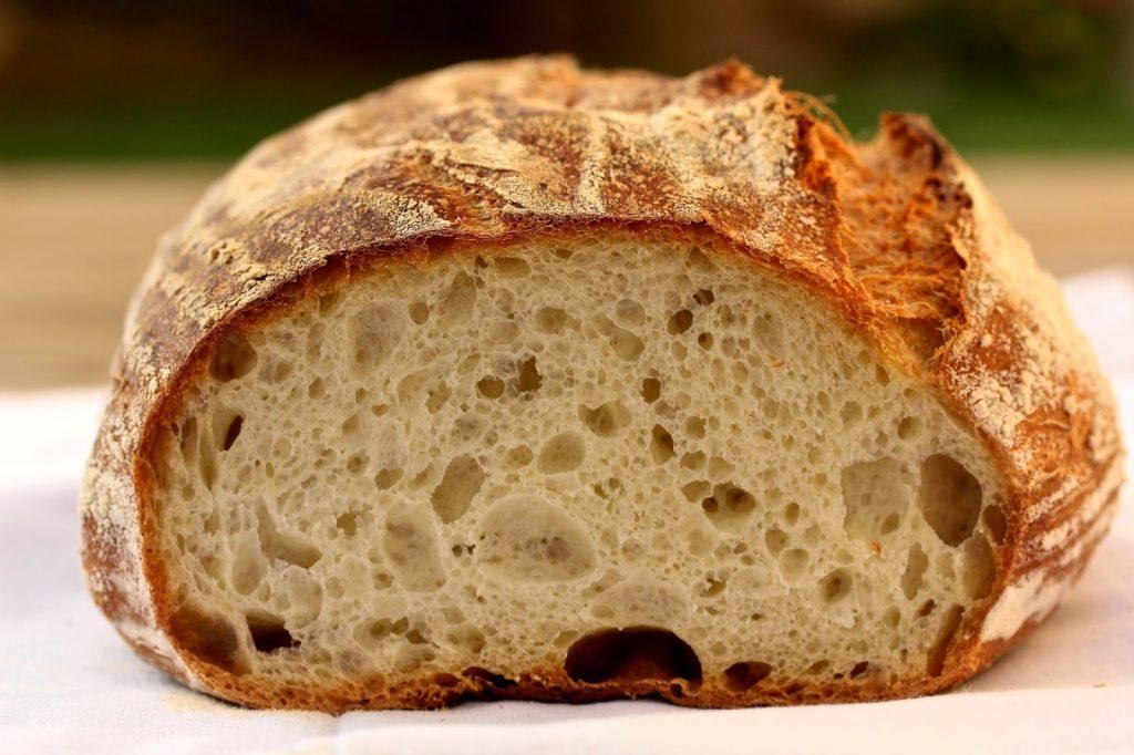 garder le pain croustillant et frais