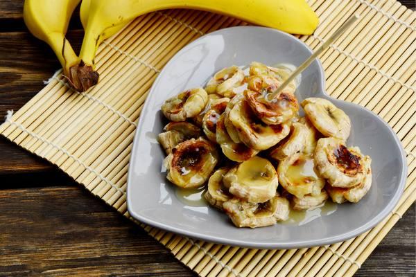 La recette de bananes au miel cuites au four