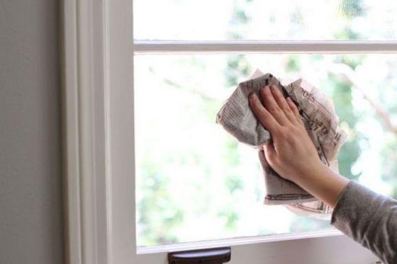 L'astuce d'un laveur de vitres pour obtenir des vitres nickel sans aucune trace