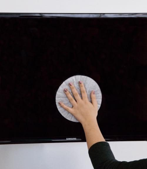 Comment nettoyer l'écran de votre TV avec un filtre à café